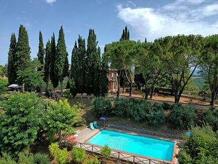 Villa con piscina privata: bellissima vista su San Gimignano, uso esclusivo.