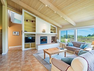 Private house w/ backyard, deck, hot tub (Pets OK!)- Good for groups