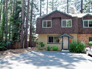 Very Nice Clean Lake Forest Glen Townhome at End of Cul-de-Sac