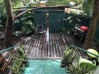 GORGEOUS VENICE BEACH WALK ST! PRIVATE gated garden, outdoor dining, carport!