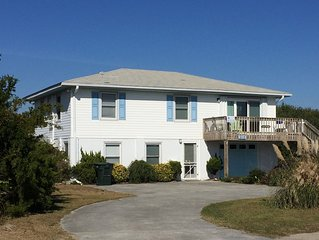 Seafoam- classic beach house walking distance to restaurants & shops- sleeps 11