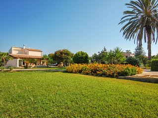Super Villa indipendente con giardino e piscina privata, 9 posti letto..il top!!