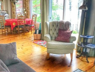 Luxury Fall Getaways in Halifax - Beautiful and  peaceful lakefront Cottage