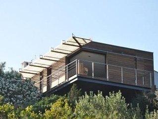Villa 1ere ligne avec piscine surplombant la mediterranee