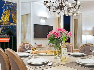 Sale! Stylish & Sunny with Breath-taking Eiffel View, Perfect for Families