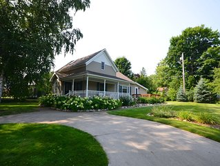 Northport Retreat-Beautiful home- In the village-Walk to water