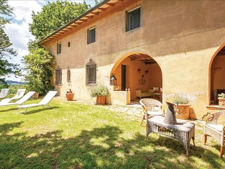 5 bedroom accommodation in Crespina PI