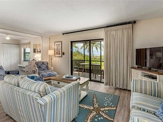 Cozy Beachfront 2 bedroom+Den with sofa sleeper, 2 bath at Sanibel Moorings Reso