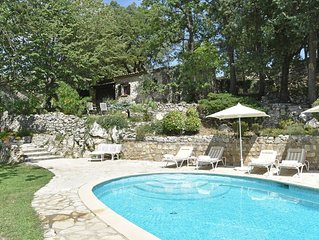 Charming Villa in Callas with Private Swimming Pool