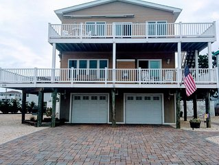 5 Br/3.5 Ba, Remodeled, Steps From Beach, Outdoor Oasis W/ Pool, Gym