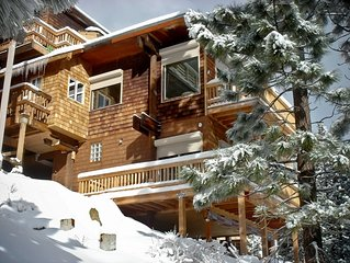 Stunning Mountain Condo w/gorgeous views of the Carson Valley at over 7400' elev