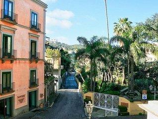 Casa Doretta: Un allegro appartamento situato nel centro di Sorrento.
