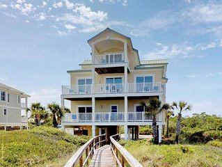 Beachfront, 7 BR/ 7.5 BA, Private Pool, Hot Tub, Elevator, 'Ohana'