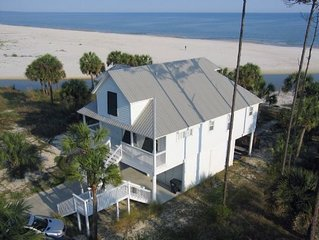 4BR, Gulf Front, Beautifully Decorated Home on Indian Pass, Pet Friendly ~ Cros