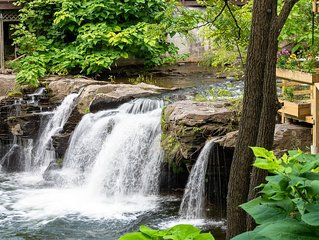 A Woodstock Waterfall™ Hideaway in the heart of the village ~ no car needed!