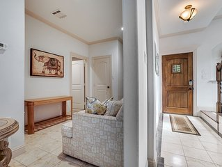 Spacious 4BDRM/4Bath Home In Central Dallas 8 Beds - NEW WOOD FLOORS IN BEDROOMS