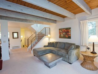 2BR 2 BA  Luxury Condo at Topnotch Resort - Steps Away From The Spa!!!