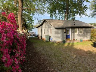 Cozy, Secluded Cottage With Great Views of Lake Norman - Right On The Water