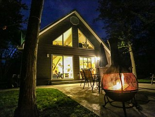 Secluded Cottage in the Woods w/Beach Access and Tram