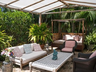 Palm Beach Charming Cottage w/ Lanai, Pool & More