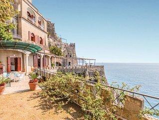 2 bedroom accommodation in Ravello SA