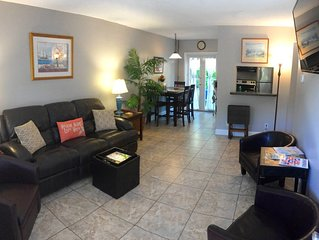 2Br ~Tropical Oasis ~ Victoria Park 2/1 Condo  -  Near Beach