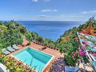 Villa Emozione: Una splendida villa su due piani rivolta al sole e al mare.