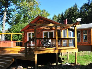 Captivating 2 Bedroom cottage with hot tub offers amazing river access!