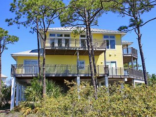 Mariner's Harbor retreat with private pool and elevator! Pet friendly, Wi-Fi, fr