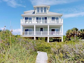 Beachfront plantation luxury, with private pool, hot tub, elevator and more