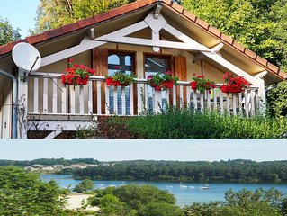 House cottage, lakefront, swimming, fishing for boat, internet, stove, 7 person