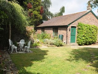 Brewery Cottage -  a cottage that sleeps 2 guests  in 1 bedroom