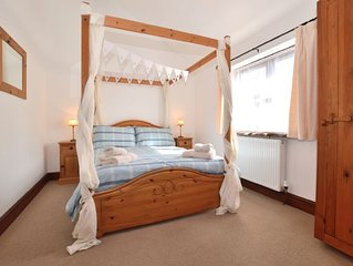 Romantic 1 bedroom cottage in beautiful Devon countryside, indoor pool, sauna