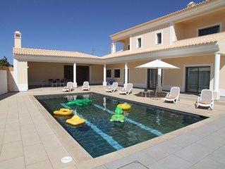 5 Star Luxury Villa With Heated Pool Incl, Air Con, Sat TV & WIFI.Beach Nearby