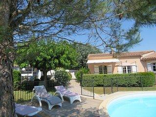 Villa avec grand jardin,  piscine chauffee proche Vaison et Mt Ventoux