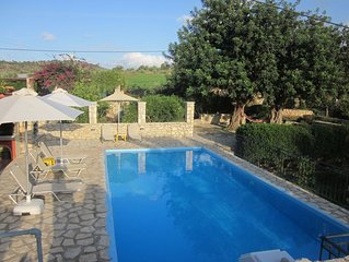 A quiet paradise, private pool and garden , near the beach and great attractions