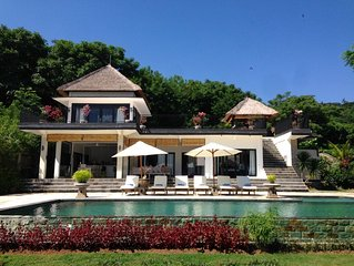 New And Very Luxurious Villa With Amazing Views Of The Hills And The Sea