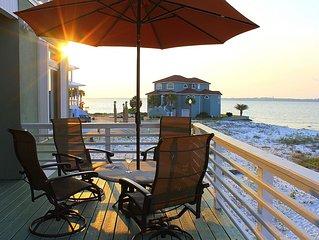 '1464 Bermuda Dr' Gorgeous home in Navarre Beach!