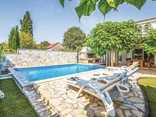 4 bedroom accommodation in Vinjani Donji