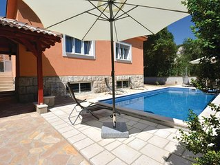 4 bedroom accommodation in Split