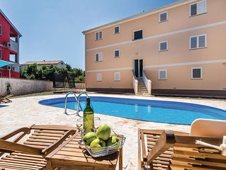 8 bedroom accommodation in Malinska