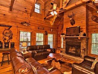 5Bd 3BA 2650sf cabin Hot Tub Bar Pool Table TVs Fire Pit ski paintball casino