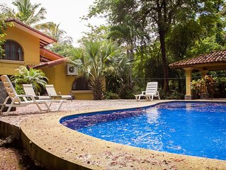 Nice 3 Bdrm house, Private Pool! Bargain Price! Walk to Beach, Eats & Grocery.