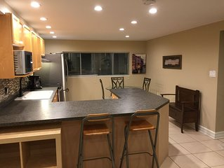 Cozy 2 Bedroom Suite In West Richmond