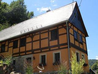 Gemutliches, uriges und top saniertes Denkmal-Bauernhaus oberhalb Krippen