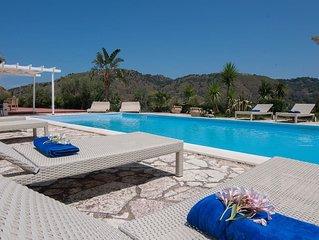 Magnifica villa con piscina ideale per una vacanza in un incantevole oasi natura