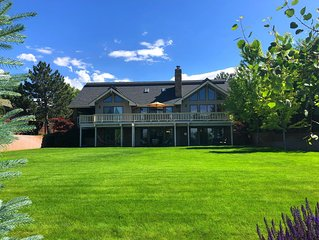 Private Retreat, Easy Access, Perfect For Large Groups, 20+ in beds, 5300 SF