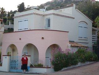 Villa-Maison Santa Lucia climatisee face a la mer avec jacuzzi - 5 personnes