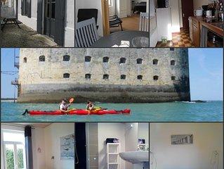 A 200m de la mer, villa ST ANTOINE  Fouras idéale 2 adultes avec enfants, wifi