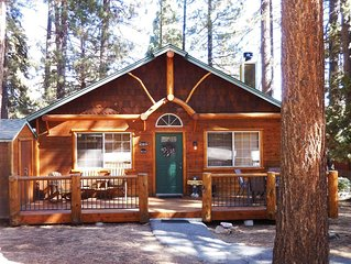 Cozy Cabin Close to Lake, Forest, Hiking, Biking, Golf, Dinning & Shopping